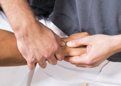 Manuelle-Therapie-Handgelenk